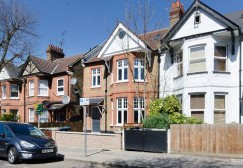 View full details for St Pauls Avenue, Willesden Green, NW2