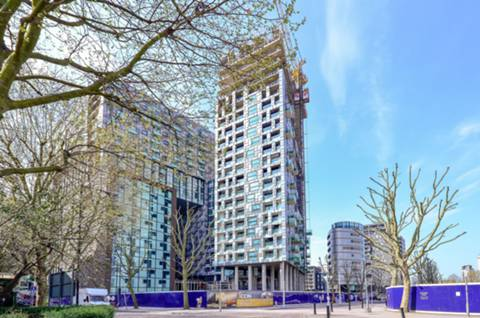 View full details for Lincoln Plaza, Canary Wharf, E14