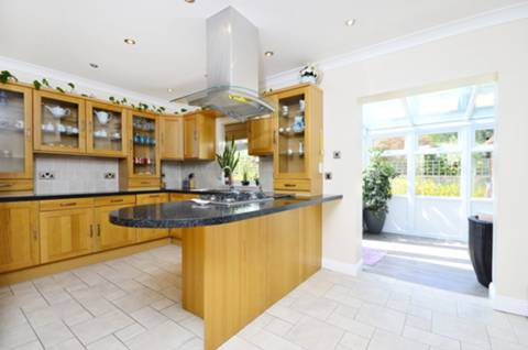 View full details for Dover House Road, West Putney, SW15