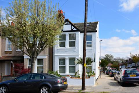 Example image. View full details for Lincoln Road, South Norwood, SE25