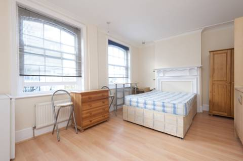 View full details for Station Parade, Ealing Common, W5