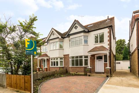 View full details for Strawberry Vale, Twickenham, TW1