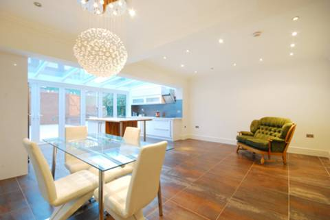 View full details for Redington Gardens, Hampstead, NW3