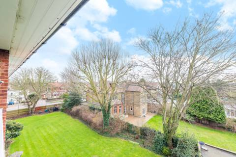 View full details for Elm Avenue, Ealing Common, W5