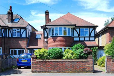 View full details for Lauderdale Drive, Ham, TW10