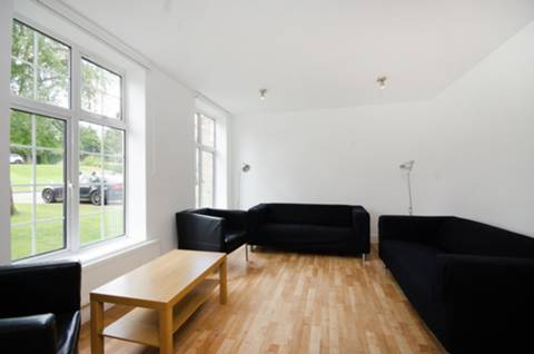 View full details for Moyne Place, Ealing, NW10