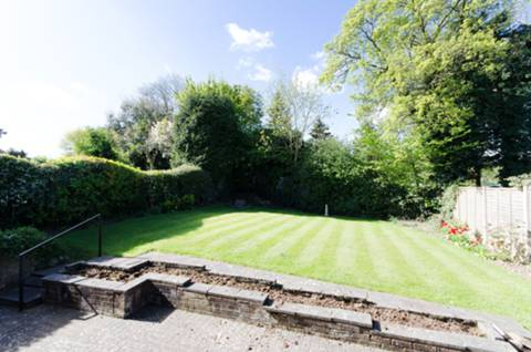 View full details for Curzon Place, Pinner, HA5