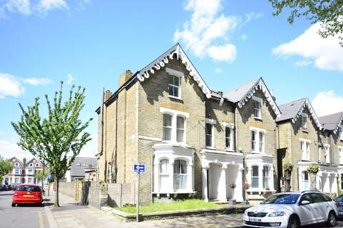 View full details for Winthorpe Road, Putney, SW15