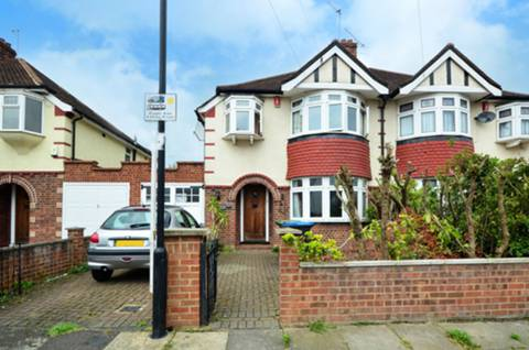 View full details for Rowantree Road, Winchmore Hill, N21