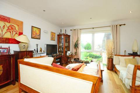 View full details for Westleigh Avenue, Putney, SW15