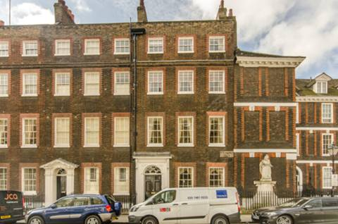View full details for Queen Annes Gate, St James's Park, SW1H