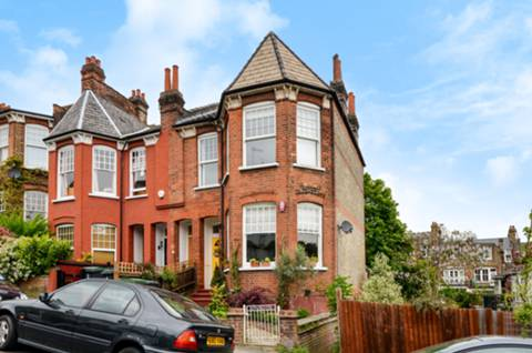 View full details for St James Lane, Muswell Hill, N10