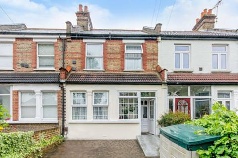 View full details for Inwood Road, Hounslow, TW3