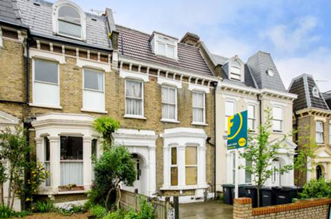 View full details for Ferme Park Road, Stroud Green, N4