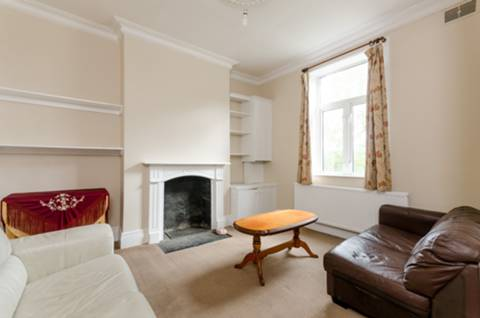 View full details for Beaconsfield Road, Friern Barnet, N11