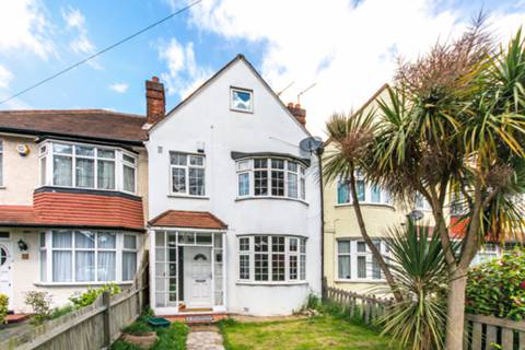 View full details for Hall Road, Isleworth, TW7