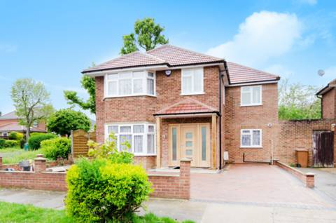 View full details for Cedar Drive, Hatch End, HA5