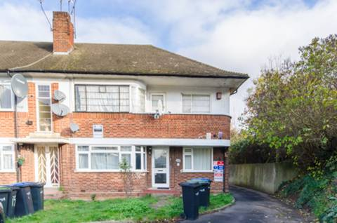 View full details for Pymmes Close, Palmers Green, N13