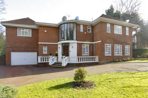 View full details for White Lodge Close, Hampstead, N2
