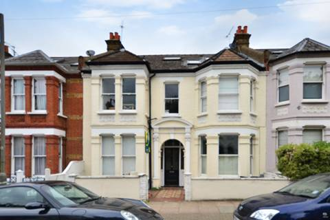 View full details for Kyrle Road, Between the Commons, SW11