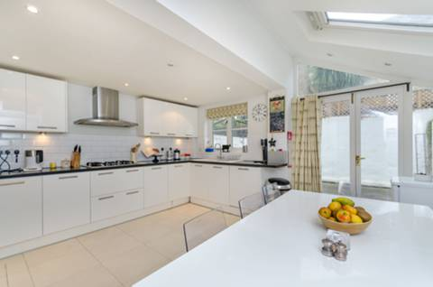 View full details for Chesson Road, Barons Court, W14