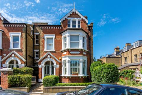 View full details for Ground Floor Flat, Lancaster Park, Richmond Hill, TW10
