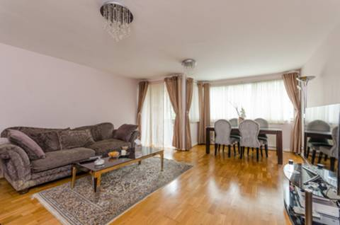 View full details for Ballards Lane, Finchley Central, N3
