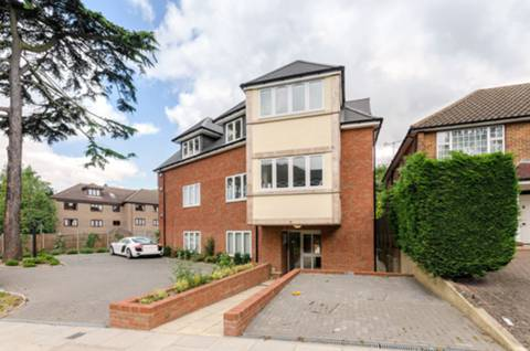 View full details for Fitzalan Road, Finchley Central, N3
