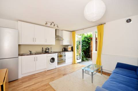 View full details for Linden Walk, Archway, N19