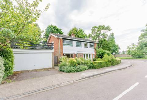 View full details for Ham Ridings, Richmond, Ham, TW10