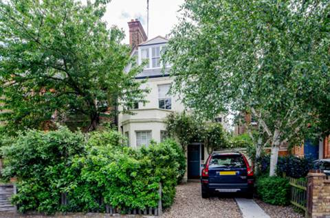 View full details for Killieser Avenue, Telford Park, SW2
