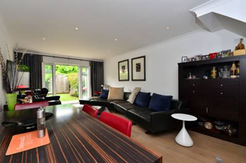 View full details for Wells Place, Earlsfield, SW18