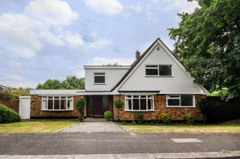 View full details for Runnelfield, Harrow on the Hill, HA1