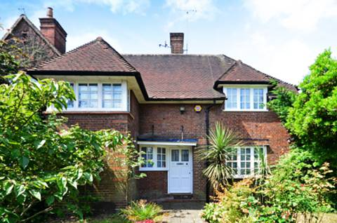 View full details for Wildwood Road, Hampstead Garden Suburb, NW11