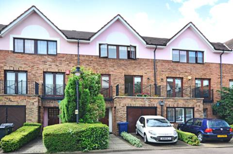 View full details for Hollyview Close, Hendon, NW4