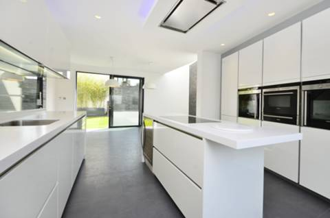 View full details for St James's Close, Wandsworth Common, SW17