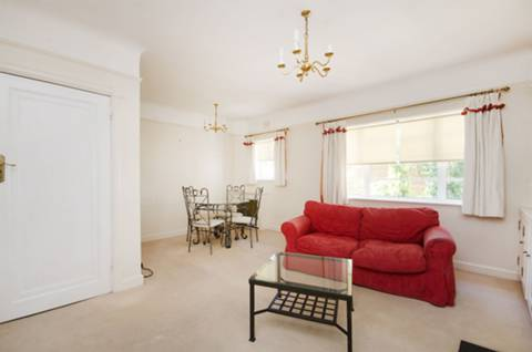 View full details for Wimbledon Hill Road, Wimbledon Village, SW19