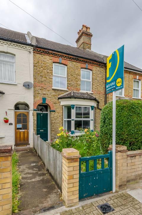 View full details for Ravenscroft Road, Beckenham, BR3