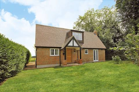 View full details for Berry Lane, Worplesdon, GU3