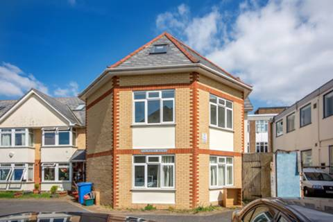 View full details for New Road, Hounslow, TW3