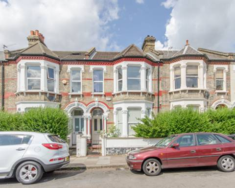 View full details for Holmewood Road, Brixton, SW2