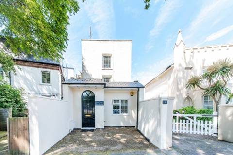 View full details for Kew Foot Road, Richmond, TW9