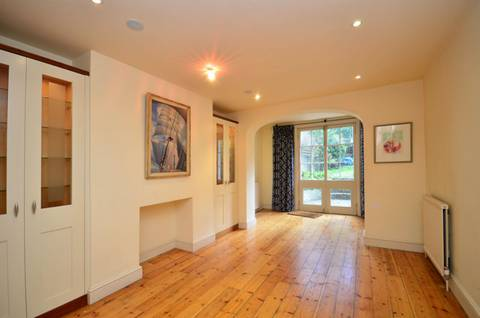 View full details for Thornhill Square, Barnsbury, N1