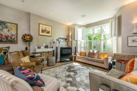 View full details for Aldbourne Road, Shepherd's Bush, W12