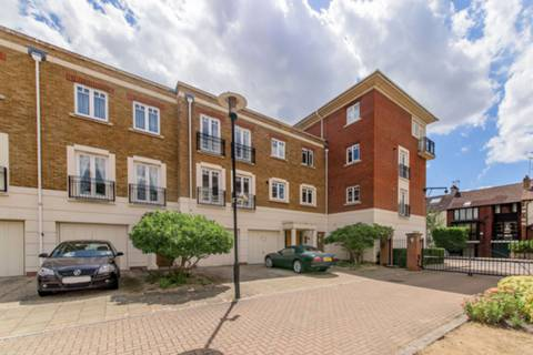View full details for Cambridge Road, Richmond, TW1