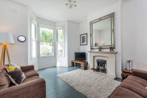 View full details for Wendover Road, Harlesden, NW10