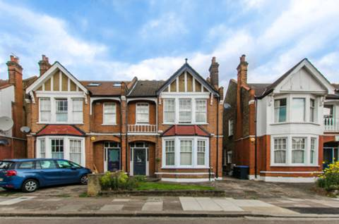View full details for Selborne Road, Southgate, N14