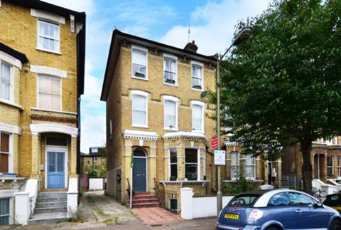 View full details for Ramsden Road, Nightingale Triangle, SW12