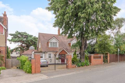 View full details for Cranes Park, Surbiton, KT5