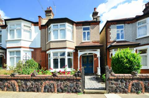 View full details for Arlow Road, Winchmore Hill, Winchmore Hill, N21